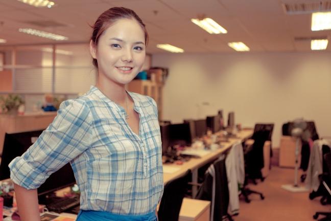 china-it-employee-worker.jpg